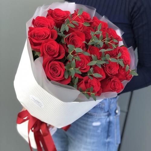 Букет з червоних троянд Тієї самої