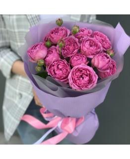 Букет з кущових піоновидних троянд Маленькое счастье