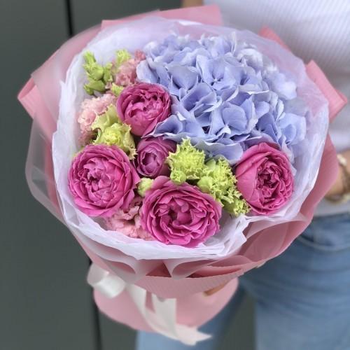 Букет з гортензії, еустоми та кущових троянд Беверлі