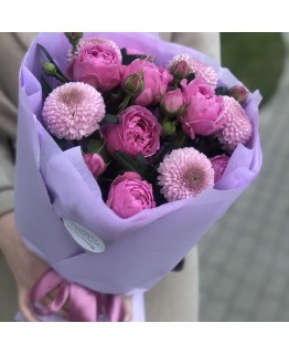 Букет з піоновидних троянди і хризантеми Літній дотик