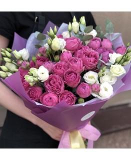 Букет з піоновидних троянд Романтика