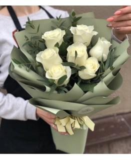 Букет з білих троянд Білосніжка