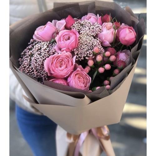 Букет з піоновидних троянд Граціозний