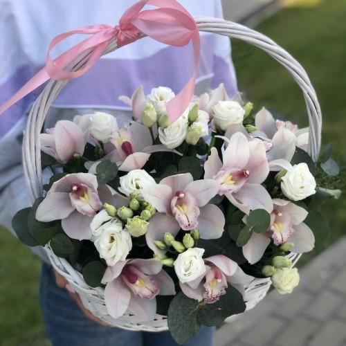 Кошик квітів Чарівна орхідея
