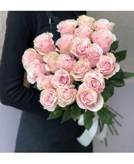 Букет з рожевих троянд