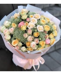 Букет з кущових троянд Заповітна мрія