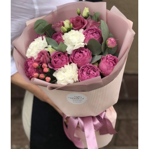 Букет з піоновидних троянд Чуттєвий