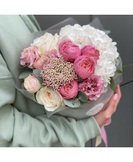Букет з гортензії і троянд Вегас