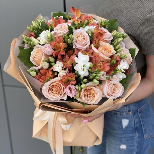Букет з троянд, альстромерії і еустоми Помаранчеве літо