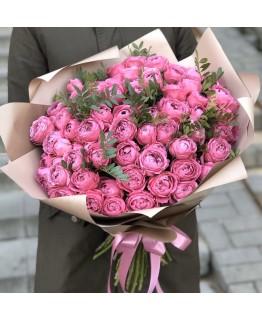 Букет з кущових піоновидних троянд Рожева насолода