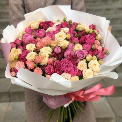 Букет з кущових троянд Визнання