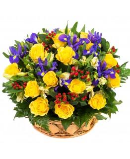 Кошик з квітами Фантазія в кошику