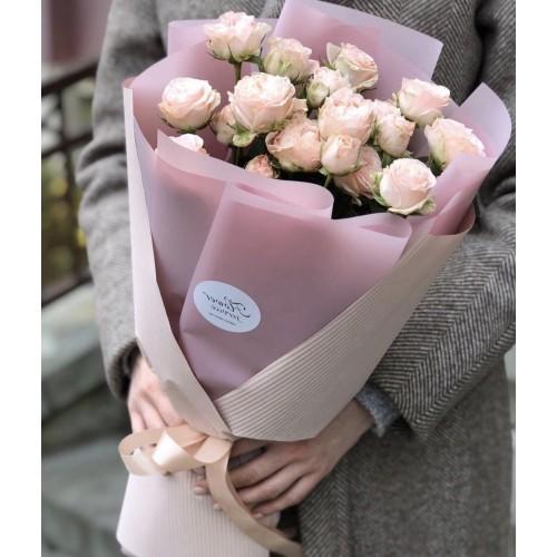 Букет з кущових троянд Дотик
