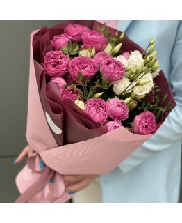 Букет з еустоми та кущових троянд Акварель