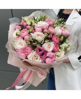 Букет з троянд, еустоми, піоновидної троянди та альстромерії Серцебиття