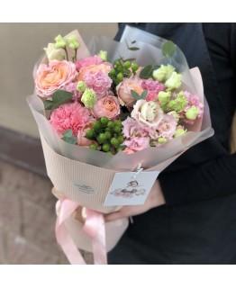 Букет з кущових троянд Амур