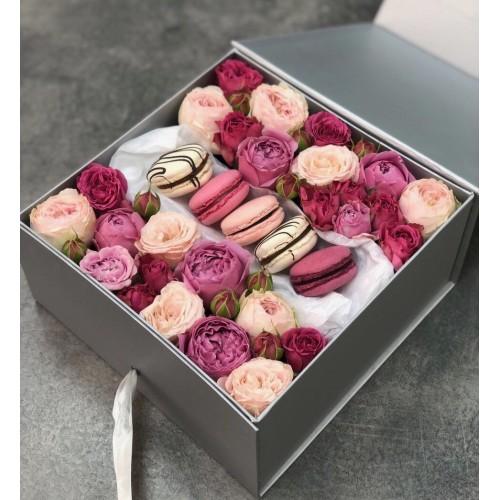 Коробочка macarons з кущових трояндою Сюрприз