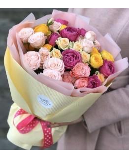 Букет з кущових троянд Сонечко