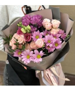 Букет з хризаентем і кущових троянд Мерехтіння