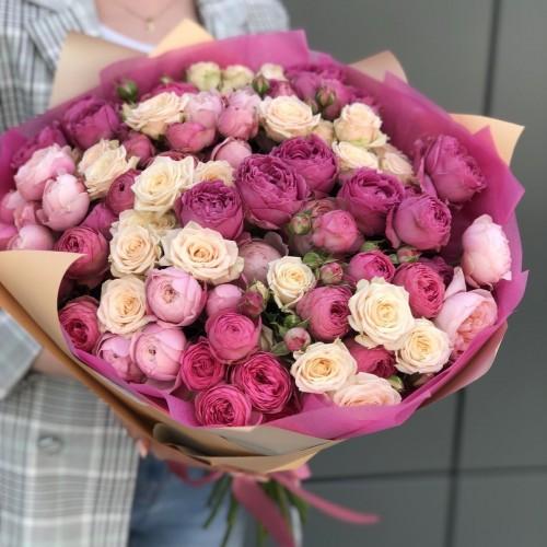 Букет з кущових троянд Філліс
