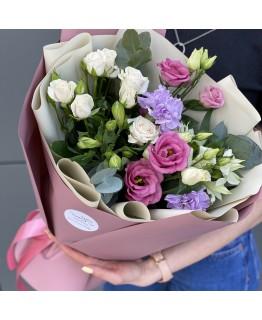 Букет з кущових троянд альстромерії Візерунок