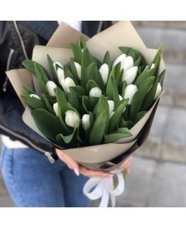 Букет з білих тюльпанів Білі ночі