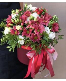 Коробка з еустоми та хризантеми Марсала