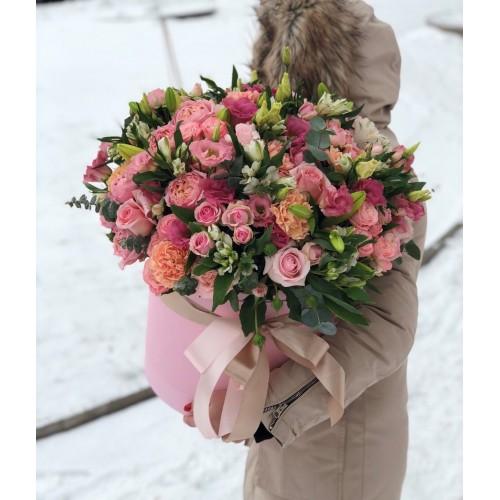 Коробка з кущовими трояндами Еустома Перлина краси