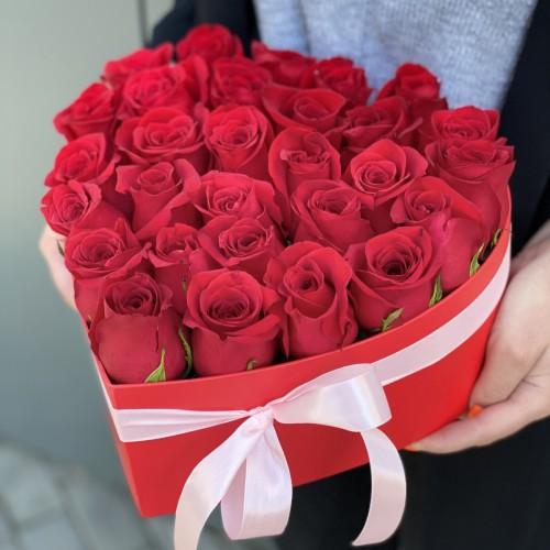 Коробка серце з червоними трояндами Пристрасть